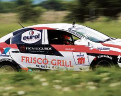 Marcos Reichert continúa con el dominio en la categoría Yaris. El piloto fue el más rápido en los 2.4 kilómetros de la pista. (Foto Prensa Libre: Norvin Mendoza)