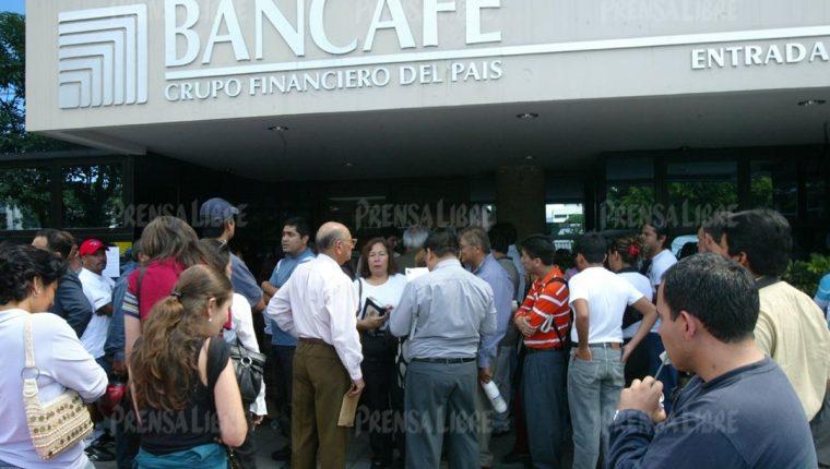 Bancafé cerró sus sedes el 20 de octubre del 2006 y de ello se desprendieron dos procesos penales. (Foto Prensa Libre: Hemeroteca PL)