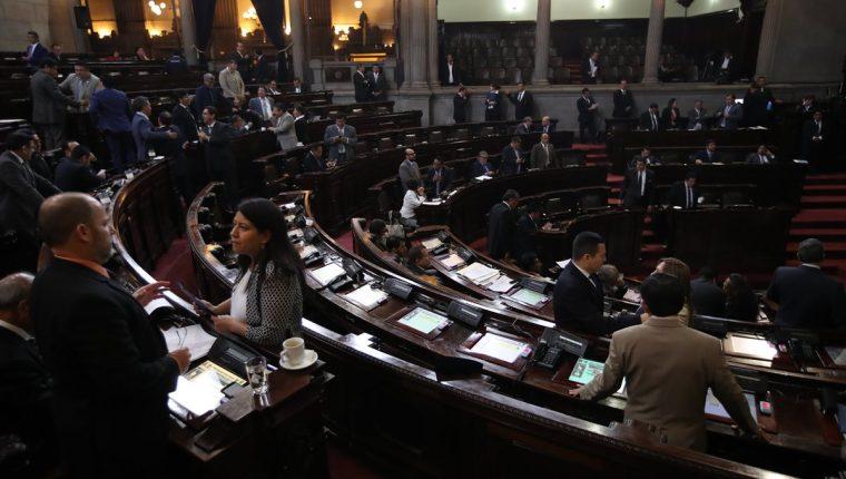 En la agenda del día se espera que las reformas a la Ley de Amparo sean conocidas en primera lectura. (Foto Prensa Libre: Hemeroteca PL)