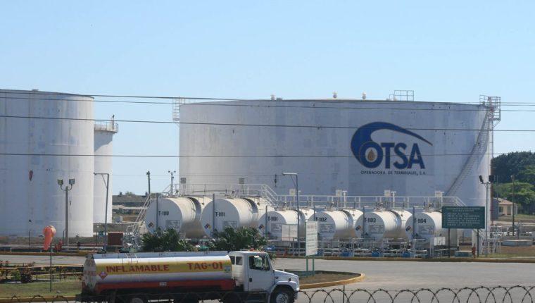 Por el efecto del incremento de precios de los derivados del petróleo la SAT reporta un incremento de la recaudación por Q330 millones hasta agosto. (Foto Prensa Libre: Hemeroteca)