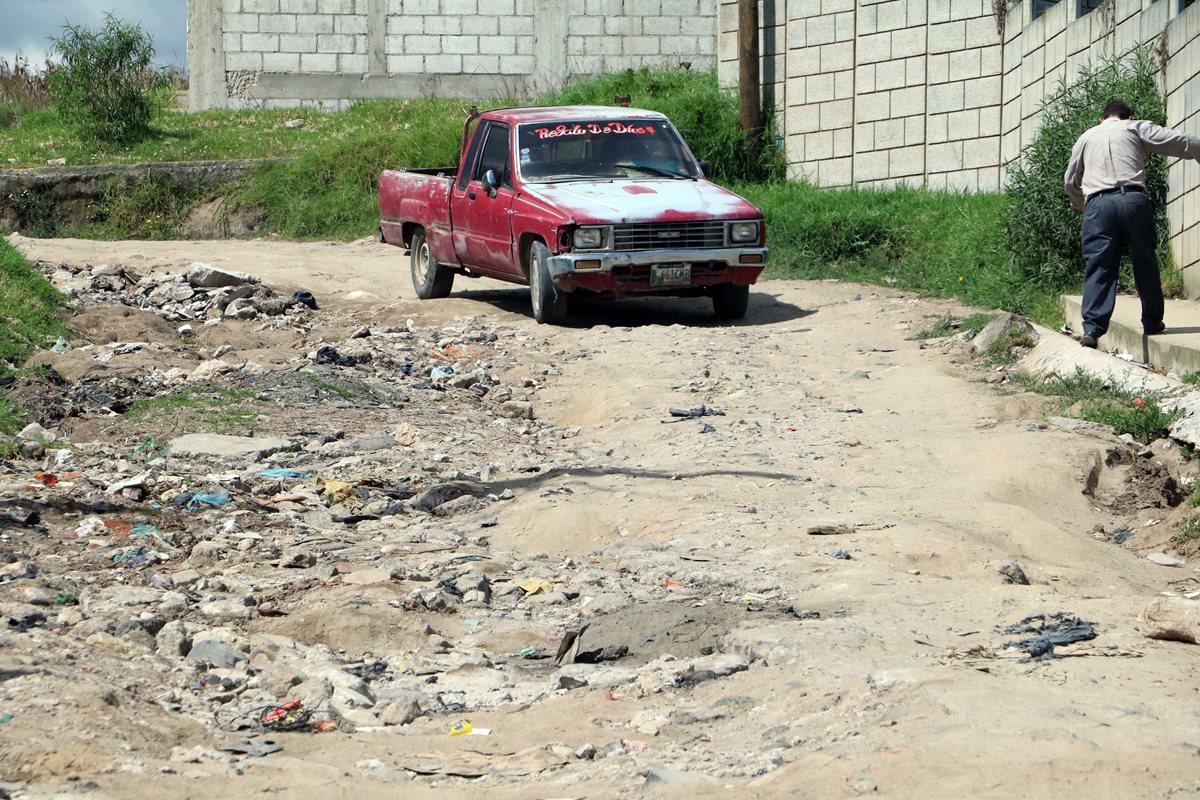 Vecinos tienen más de 10 años de pedir arreglo de calles