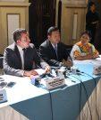 Los miembros de la Comisión Pesquisidora ofrecen en conferencia de prensa detalles de la primera reunión de trabajo. (Foto Prensa Libre: Carlos Álvarez)