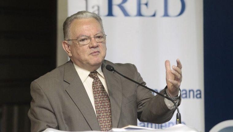 El exvicepresidente guatemalteco Eduardo Stein trabajará en la búsqueda de soluciones para los refugiados y migrantes venezolanos. (Foto Prensa Libre: HemerotecaPL)