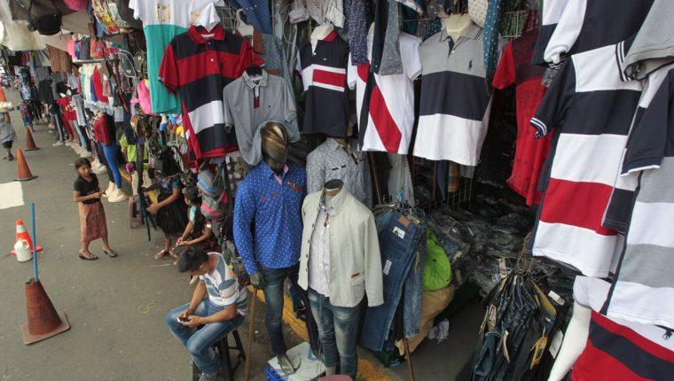 En Guatemala solo el 19.7% de la fuerza de trabajo cotiza o es contribuyente de un plan de pensiones, en parte, por la alta informalidad. (Foto Prensa Libre: Hemeroteca)