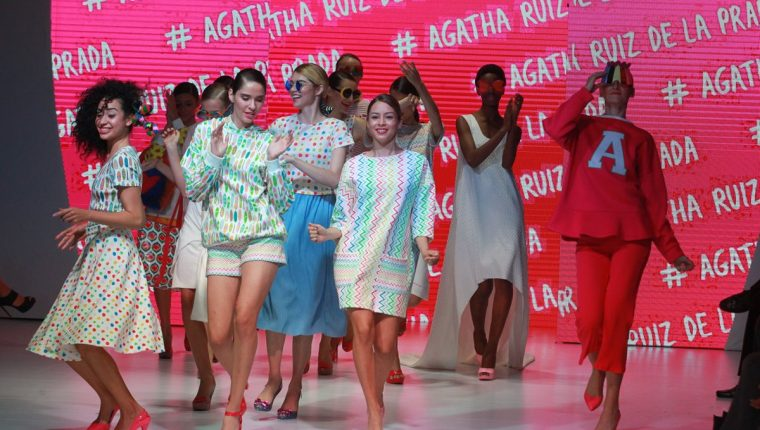 La fiesta de la moda del MBFGT 2016 mostró el talento de artistas consagrados y emergentes. (Foto Prensa Libre: Estuardo Paredes)