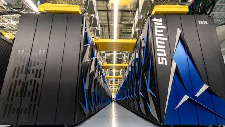 Summit pesa alrededor de 340 toneladas, un poco más que un avión comercial grande. (Foto Prensa Libre: IMB)