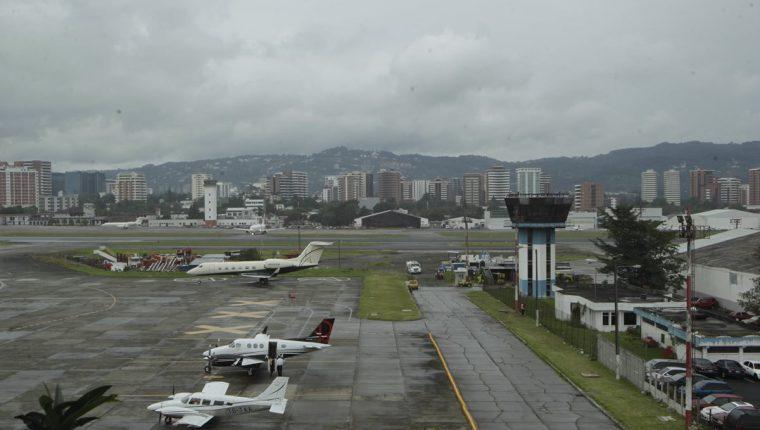 Aeronáutica pretende mejorar las condiciones aeroportuarias. (Foto Prensa Libre: Hemeroteca PL)