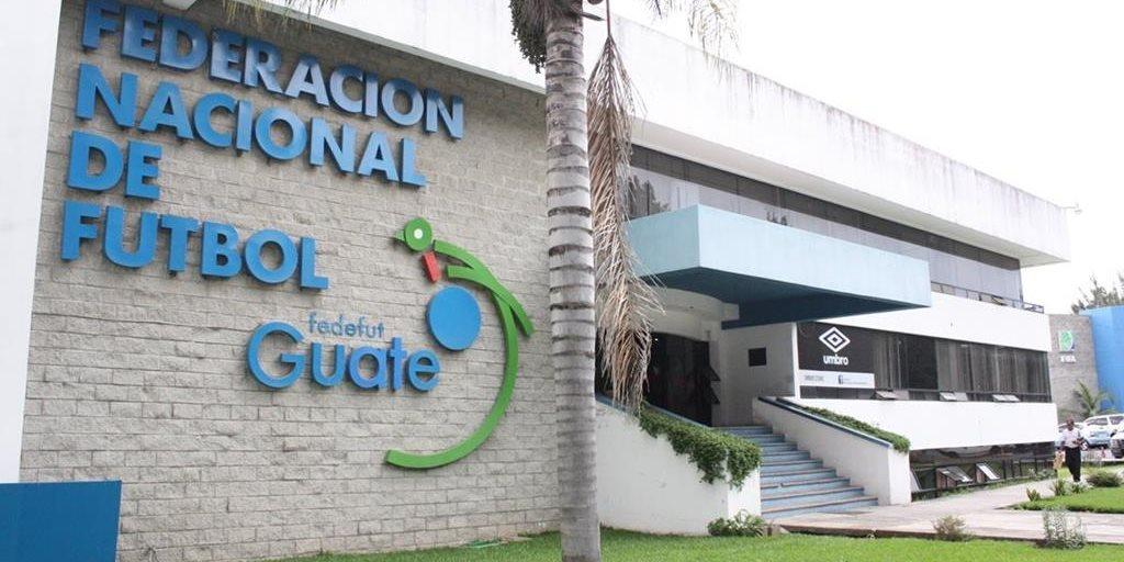 La Federación de Futbol recibirá este miércoles los estatutos aprobados por la CDAG para enviarlos a la Fifa. (Foto Prensa Libre: Hemeroteca)