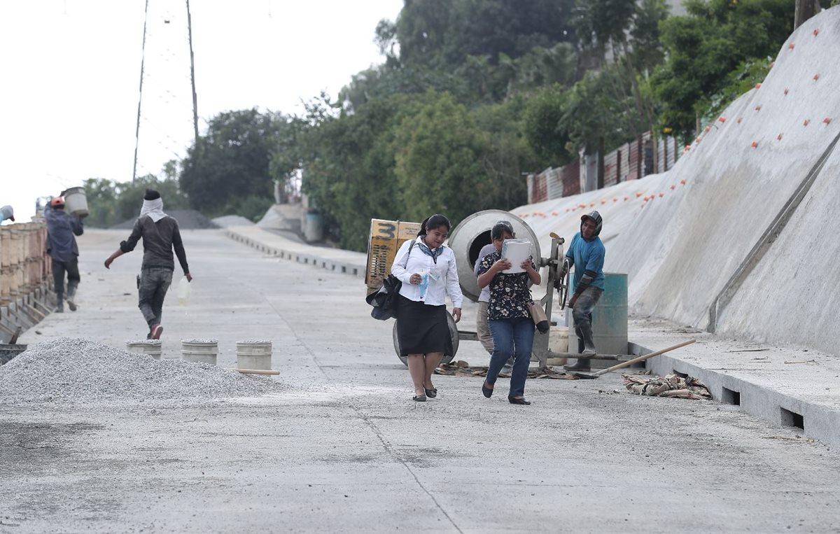 La ruta alterna entre San Miguel Petapa y la zona 21 de la capital tiene un costo de Q4.9 millones, pero no se puede usar. (Foto Prensa Libre: Juan de Dios González)
