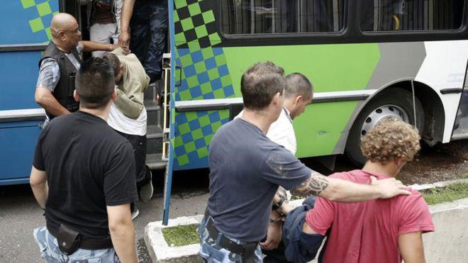 Los jóvenes fueron detenidos por la policía. MAURO V. RIZZI/LA NACION