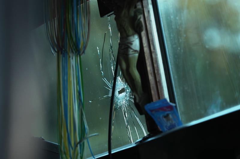 El ataque contra un bus en Llanos del Pinal, Quetzaltenango sería para intimidar a los transportistas para pagar la extorsión.(Foto Prensa Libre: Mynor Toc)