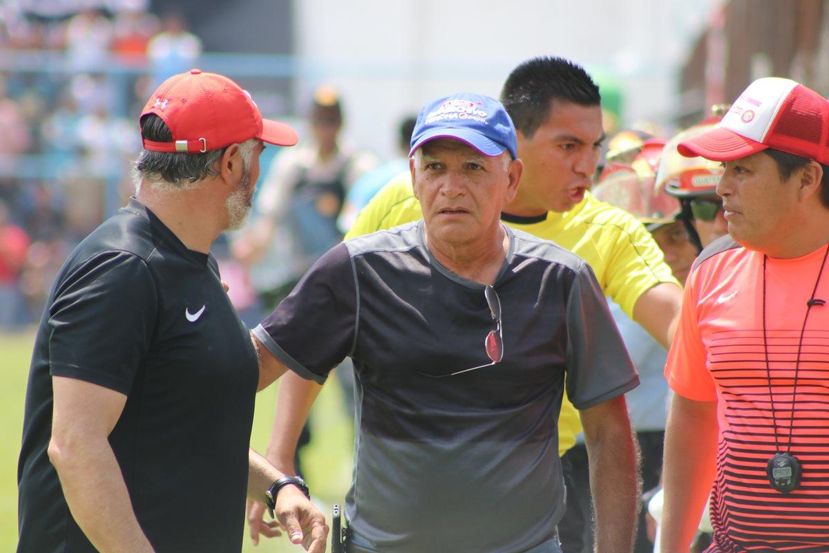 Wálter Claverí, durante el partido de este sábado en Sanarate. (Foto Prensa Libre: Hugo Oliva)