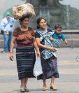 Madres trabajadoras guatemaltecas se desempeñan en diferentes actividades económicas. (Foto Prensa Libre: Hemeroteca)
