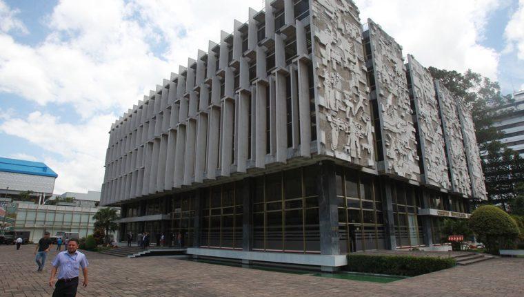 El Crédito Hipotecario Nacional es uno de los bancos más antiguos del país. (Foto Prensa Libre:Estuardo Paredes)