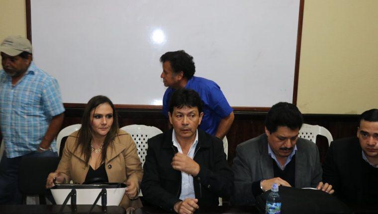 Integrantes de la Gremial de Transportistas de Quiché negaron los señalamientos del presidente Morales. (Foto Prensa Libre: Héctor Cordero)