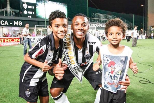 Robinho comenzará una nueva aventura en el futbol de Turquía. (Foto Robinho).