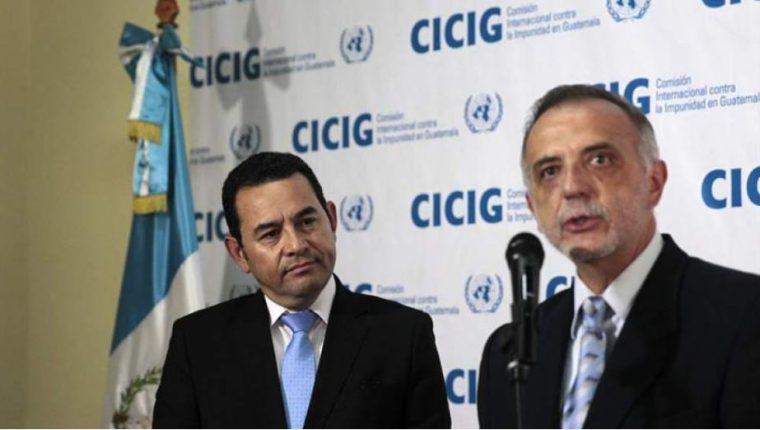 Según expertos, la postura de Jimmy Morales (izquierda) sobre la Cicig es completamente distinta a la que ofreció cuando llegó al poder. (Foto: Hemeroteca PL)
