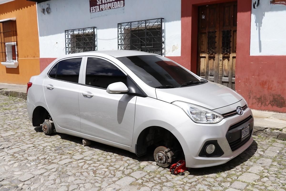 El robo ocurrió en la calle del Sol, barrio de La Concepción, Antigua Guatemala, Sacatepéquez. (Foto Prensa Libre: Julio Sicán)