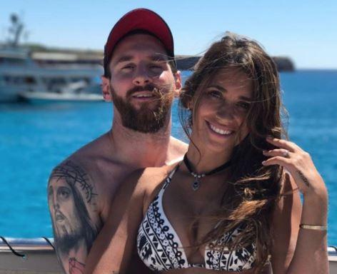 """Y se concretó el """"triplete"""": Messi y Antonela dan la bienvenida a Ciro, su tercer hijo"""