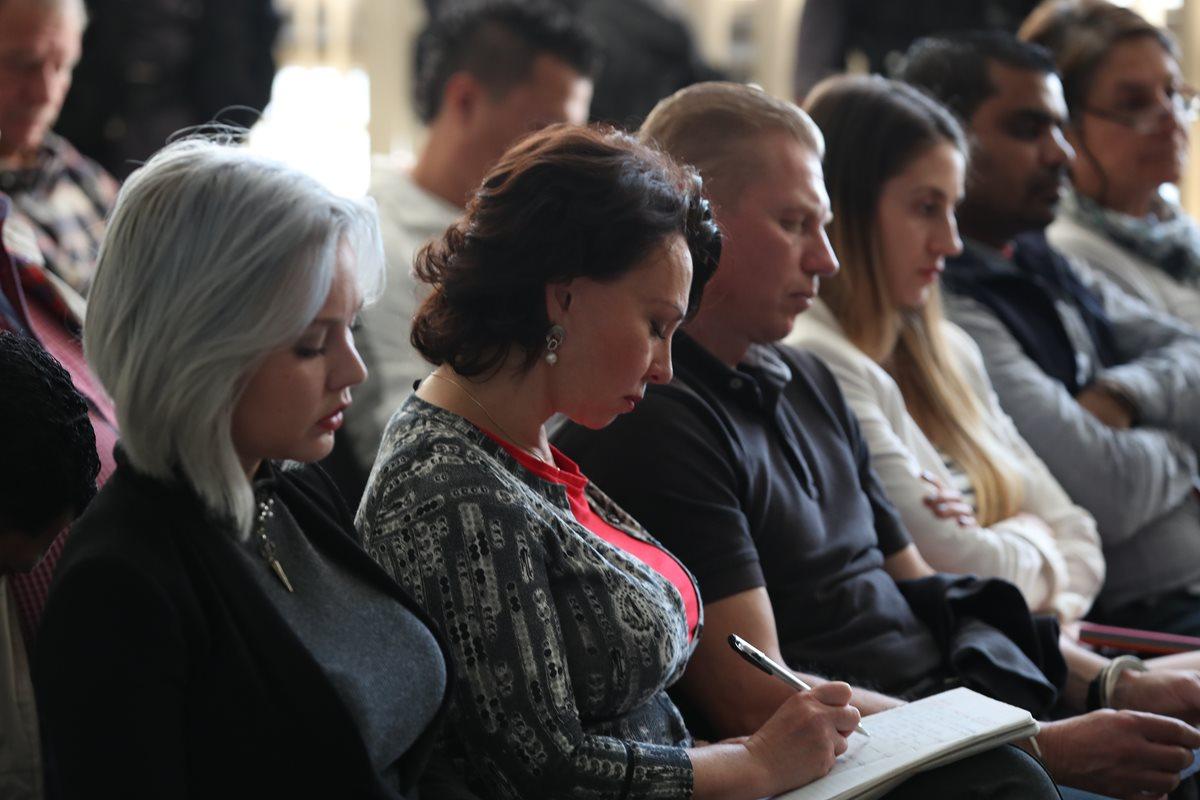 El asilo para los Bitkov está en un enredo legal, dice el abogado de la familia rusa