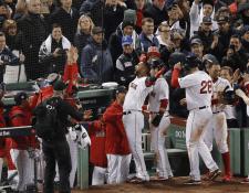 Los Medias Rojas de Boston ganan el primer partido de la Serie Mundial frente a los Dodgers. (Foto Prensa Libre: EFE)