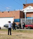 Los cadáveres de la pareja fueron trasladados a la sede del Inacif, en la ciudad de Quetzaltenango. (Foto Presa Libre: Caros Ventura).
