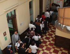 En promedio, el Congreso paga horas extras a 192 personas cada mes. (Foto Prensa Libre: Hemeroteca PL)