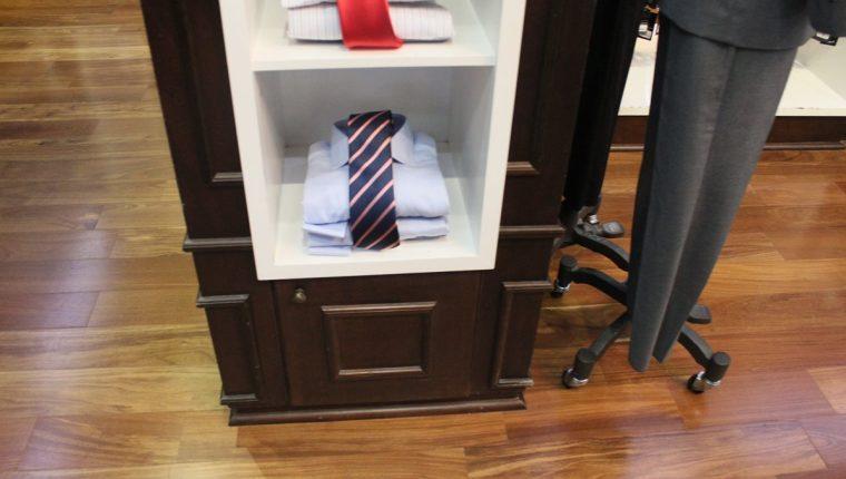 Una buena corbata es indispensable para acentuar la elegancia. (Foto Prensa Libre: Guillermo Ramírez)