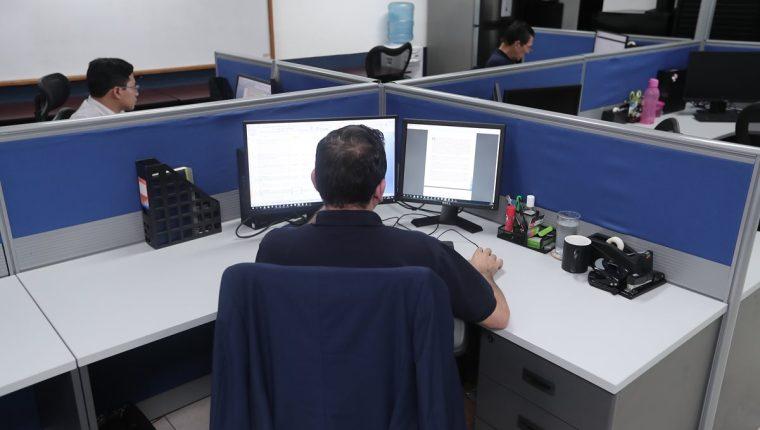 Un equipo de 15 personas investigará a las empresas que comercializan sus productos en redes sociales que no emiten factura, y la fiscalización empezará en tres meses, según las autoridades tributarias. (Foto Prensa Libre: Hemeroteca)