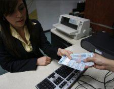 Sistema bancario del país gozará del asueto del 1 de noviembre. (Foto Prensa Libre: Hemeroteca)