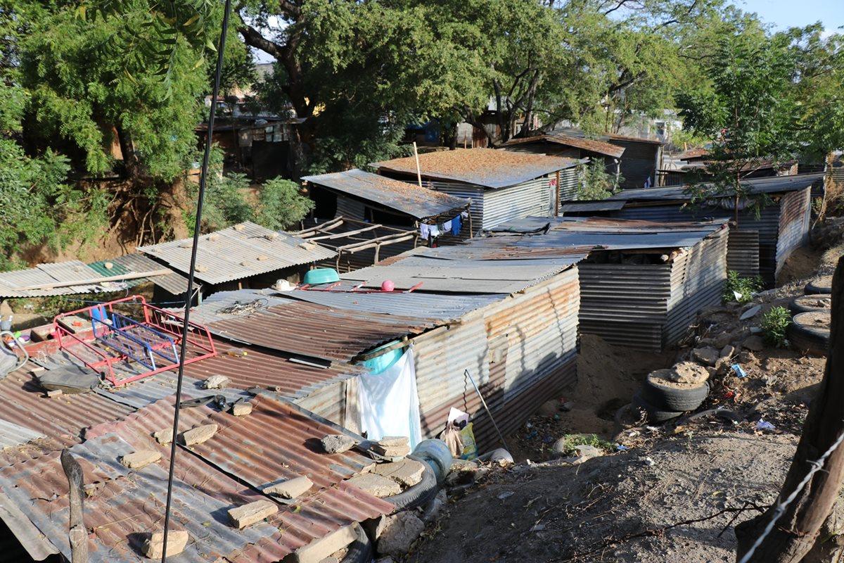 Algunas de las viviendas del asentamiento 1 de Julio en la zona 5 de Chiquimula. (Foto Prensa Libre: Mario Morales).
