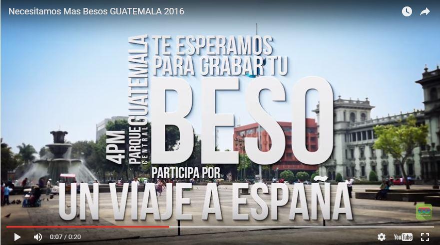 Campaña de besos en el parque para ganar viaje a Barcelona