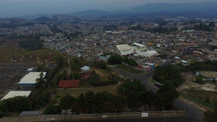 Vista aérea de la zona 18 de la capital. (Foto Prensa Libre: Estuardo Paredes).