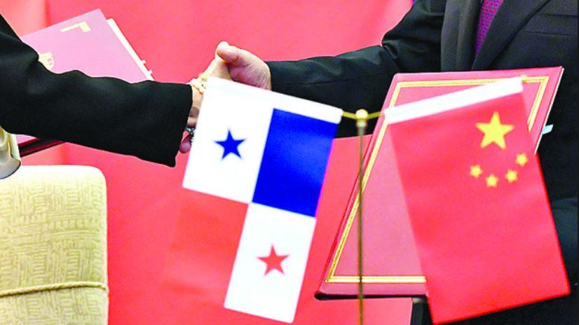 Los Gobiernos de ambos países lanzaron oficialmente las negociaciones para el TLC el pasado 12 de junio, en una ceremonia en Pekín. (Foto Prensa Libre: AFP)