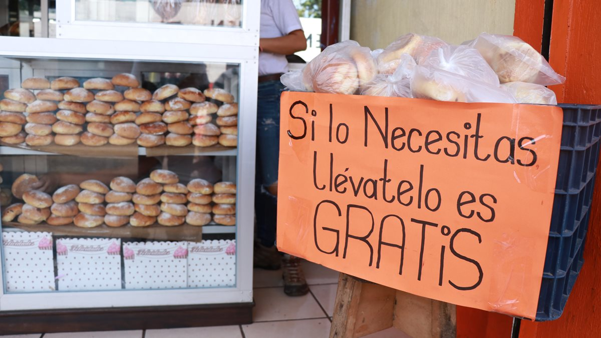 Panadería San José, en Patulul, donde se impulsa la iniciativa de regalar pan. (Cristian Icó).