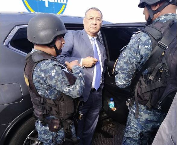 ¿Por qué Arístides Crespo no fue detenido al salir del Congreso?