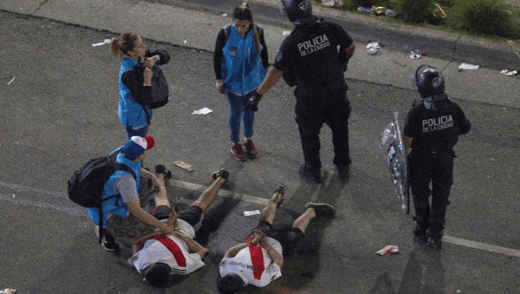 Los aficionados de River Plate causaron problemas en la madrugada durante el festejo de su equipo tras haber ganado la Copa Libertadores. (Foto Prensa Libre: AFP)