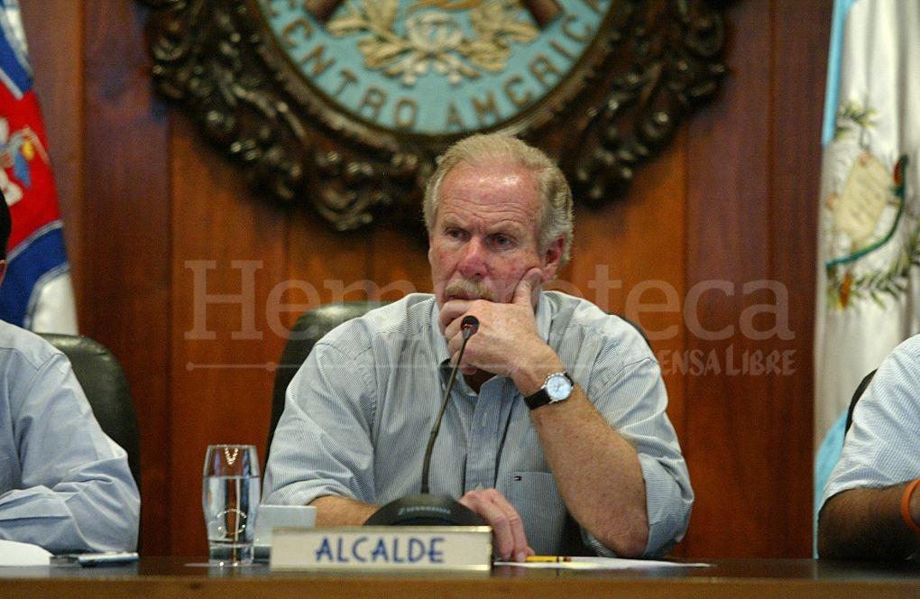 Álvaro Arzú presentó pruebas de descargo a la jueza pesquisidora en 2016. (Foto Prensa Libre: Hemeroteca PL)
