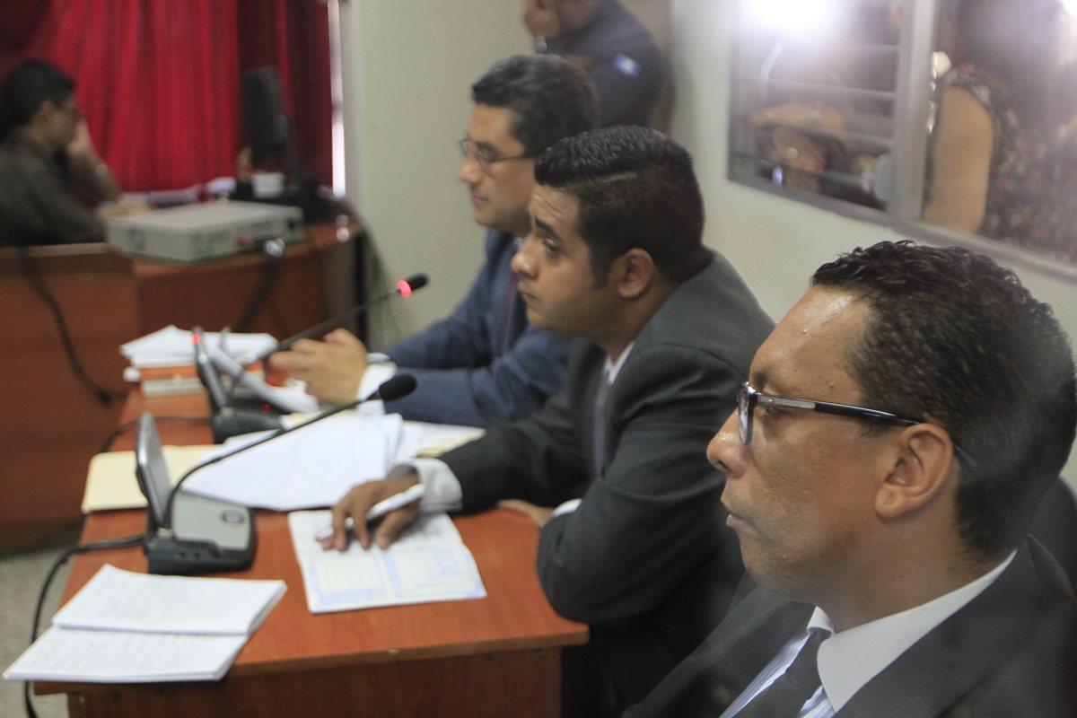 José Montenegro y Fernando Zapeta, durante una de las audiencias en el Juzgado Tercero Penal. (Foto Prensa Libre: HemerotecaPL)