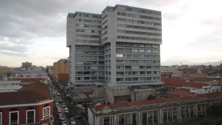 Vista del Portal del Comercio, uno de los lugares más visitados por los guatemaltecos y extranjeros. (Foto Prensa Libre: Óscar Rivas)