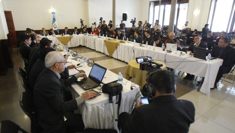 La Comisión de Finanzas del Congreso a través de la Mese Técnica del Presupuesto ha sesionado en 15 ocasiones para que las instituciones defiendan el proyecto de Presupuesto para el otro año. (Foto Prensa Libre: Hemeroteca PL)