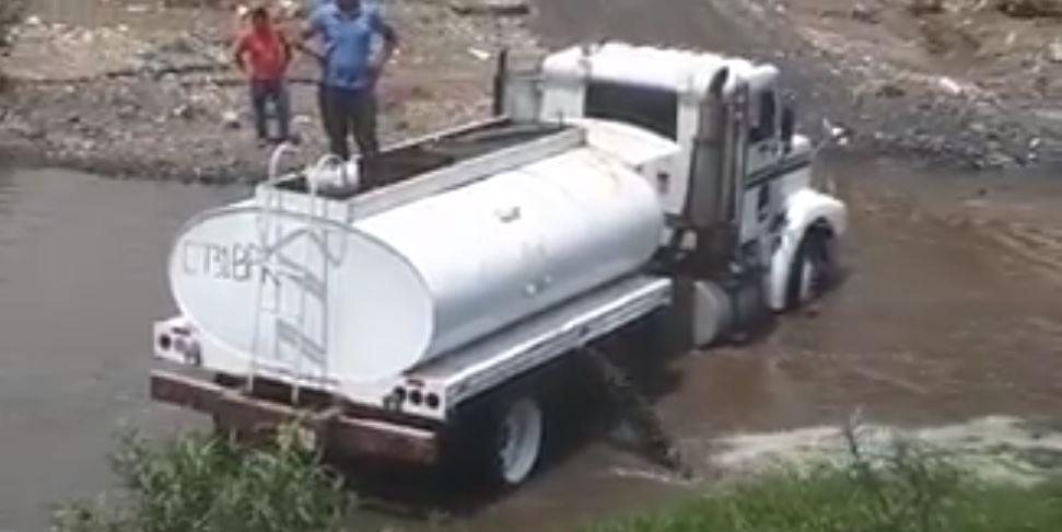 El video fue grabado por un vecino de San Miguel Petapa. (Foto Prensa Libre: Cortesía)