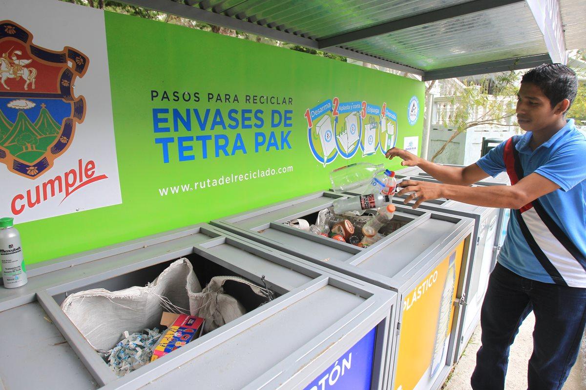 Recicle desechos inorgánicos y ayude a cuidar el planeta