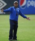 El técnico guatemalteco Wálter Claverí tomará el control de la Bicolor en los próximos días. (Foto Prensa Libre: Hemeroteca PL)