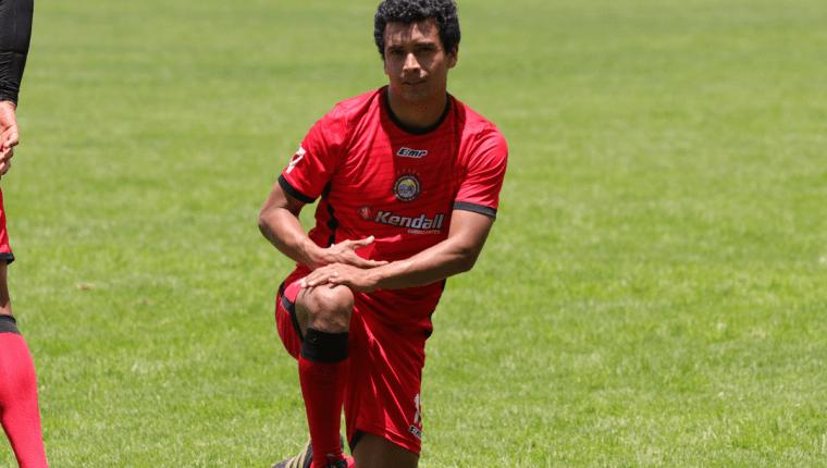 Fredy Ruano se ha convertido en el futbolista consentido del técnico Ramiro Cepeda. (Foto Prensa Libre: Raúl Juárez)