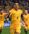 La figura de Australia, Tim Cahill, se arriesgará para jugar el repechaje contra Honduras. (Foto Prensa Libre: AFP)
