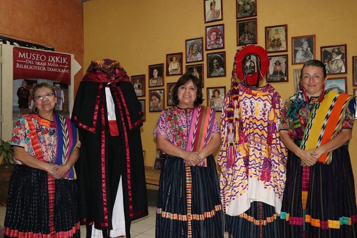 Miriam Nimatuj, Raquel García y Lina Barrios fundaron el Museo Ixkik' hace 13 años y tienen muchos planes por cumplir. (Foto Prensa Libre: María José Longo)
