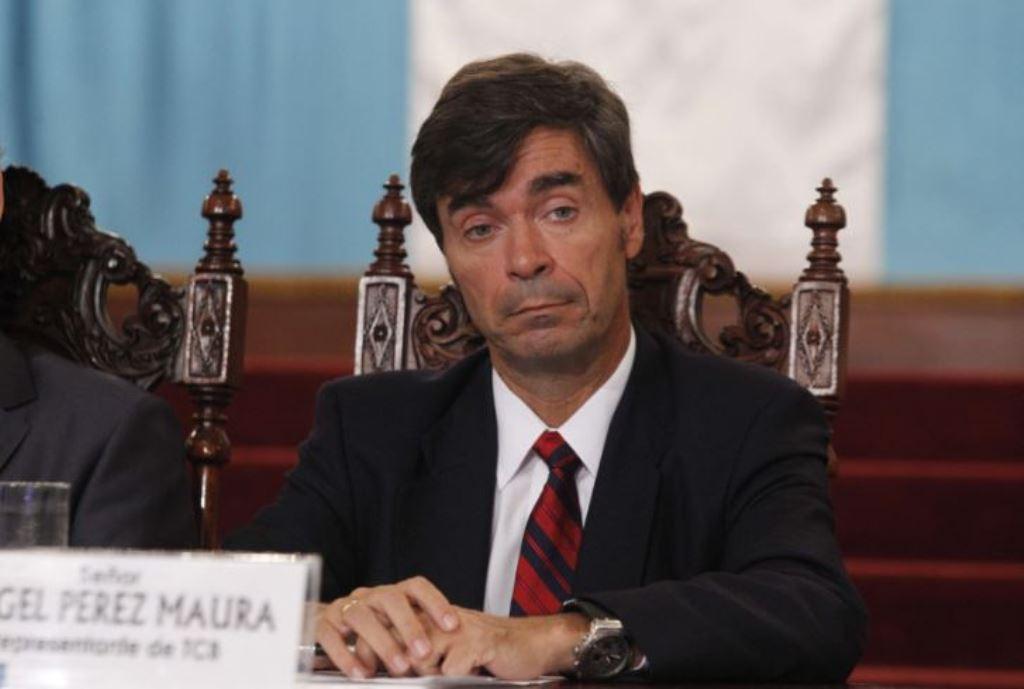 Ángel Pérez Maura participó en agosto de 2012 en un acto en el Palacio Nacional de la Cultura en defensa del proyecto de TCQ. (Foto Prensa Libre: Hemeroteca PL)