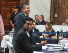 Rudy Gallardo junto a su abogado, en una audiencia en el Juzgado B de Mayor Riesgo, donde es procesado su caso. (Foto Prensa Libre: Hemeroteca PL)