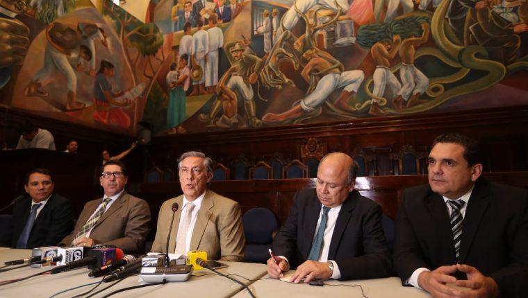 La Comisión Pesquisidora que ve el antejuicio del presidente Jimmy Morales se reunirá el viernes en el Salón del Pueblo. (Foto Prensa Libre: Esbin García)